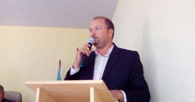 Vereador Denis Almeida reforça solicitações de colegas